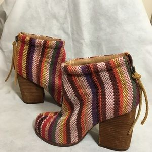 Jeffrey Campbell Rumble Fab Striped Boots Size 6.5